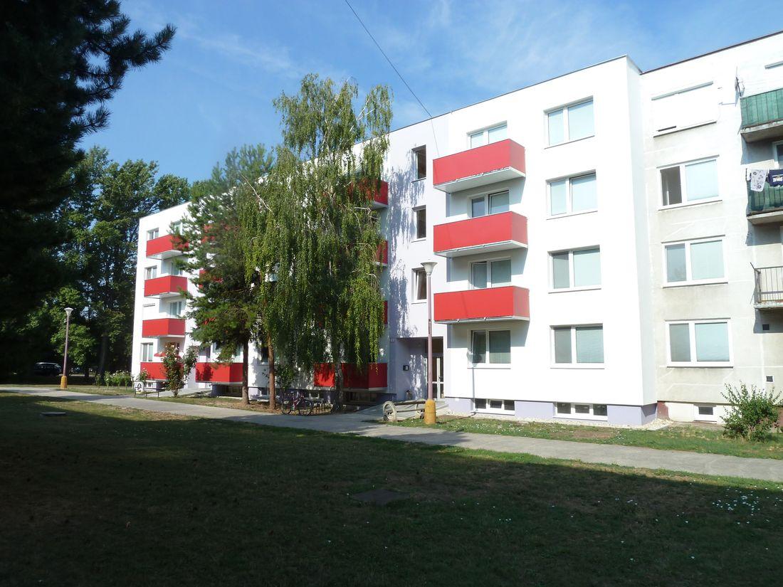 13. Nové závesné balkóny