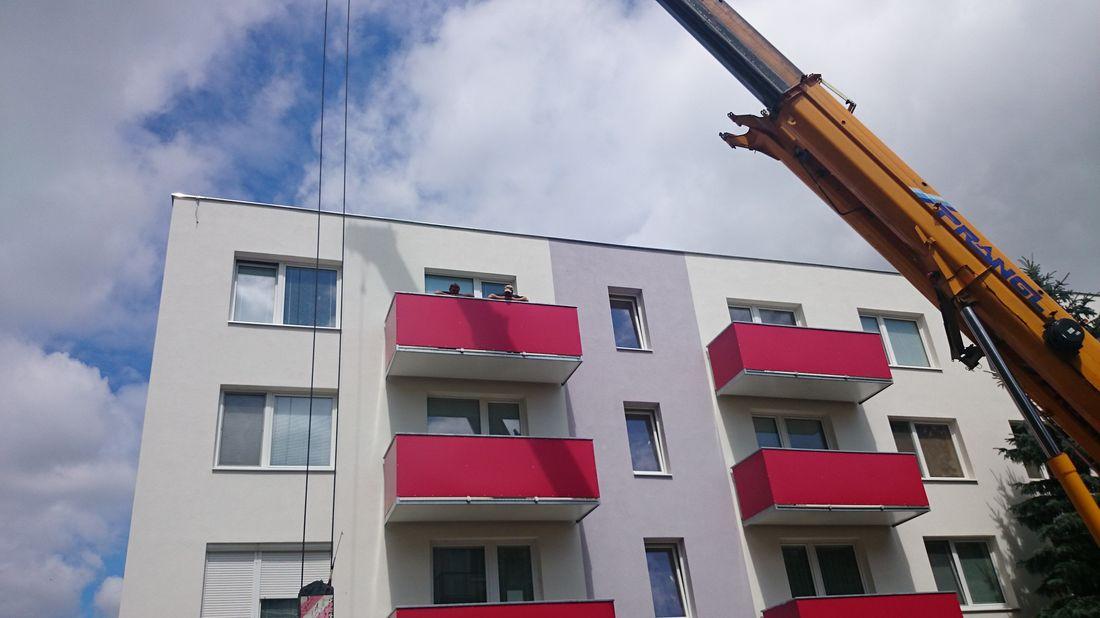 2. Osádzanie závesných balkónov
