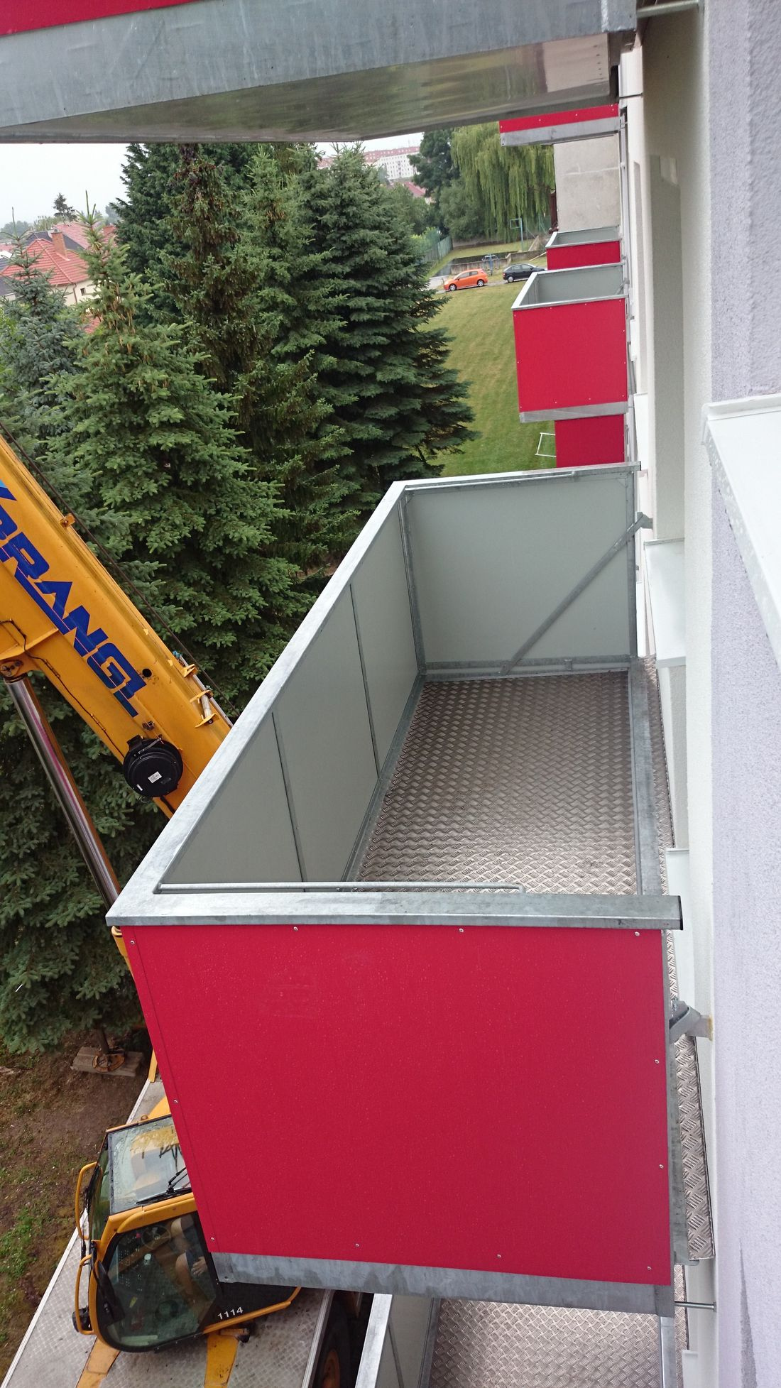 3. Osádzanie závesných balkónov