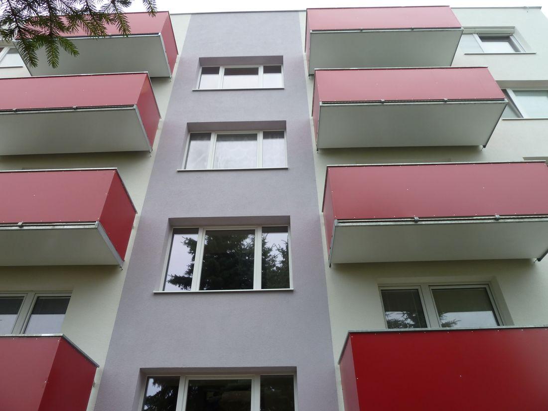 7. Nové závesné balkóny