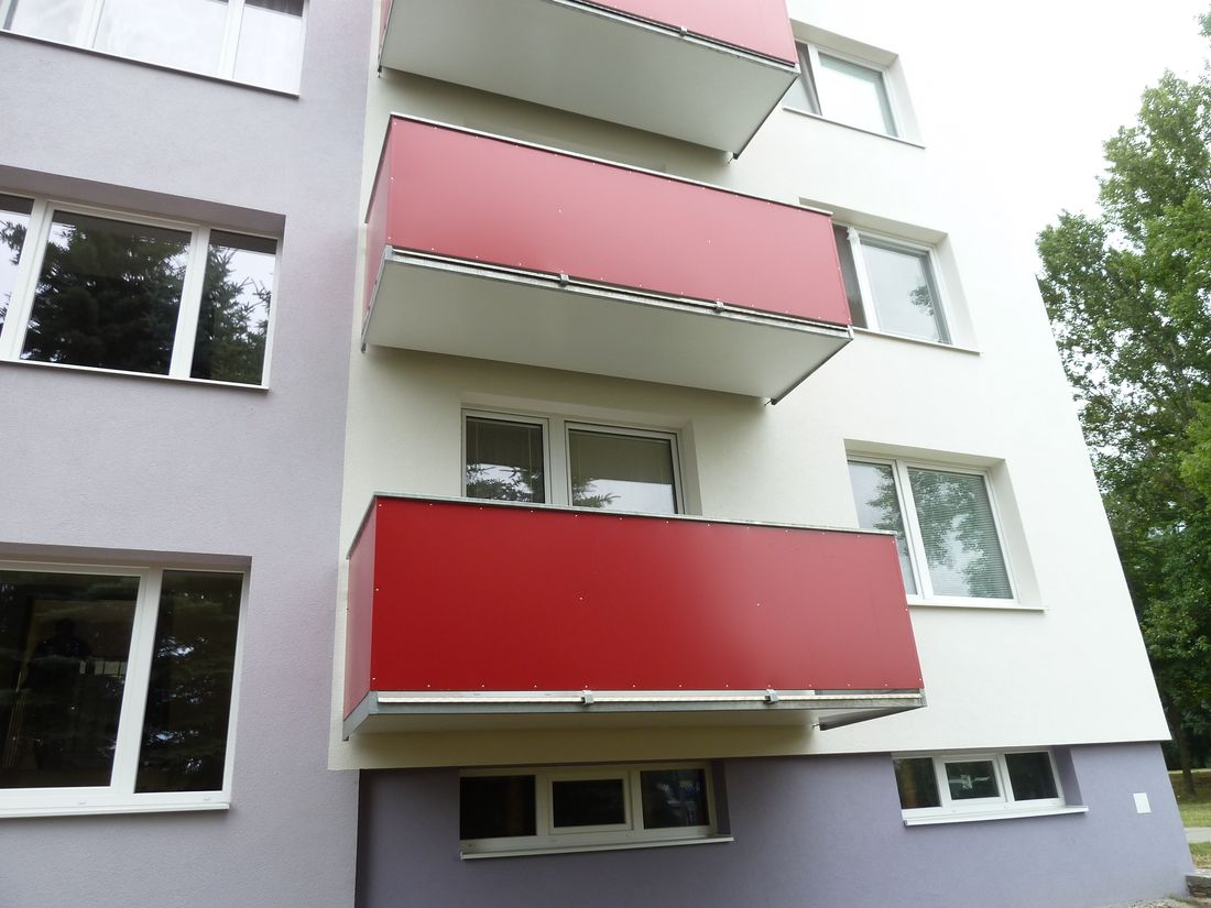 8. Nové závesné balkóny